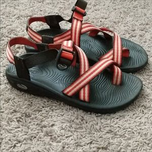 Women's Chacos Size 10. Like new.